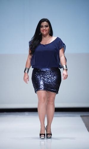 Modelo desfila look da Cosma para o Verão 2014 durante o Fashion Weekend Plus Size, em São Paulo (21/07/2013)