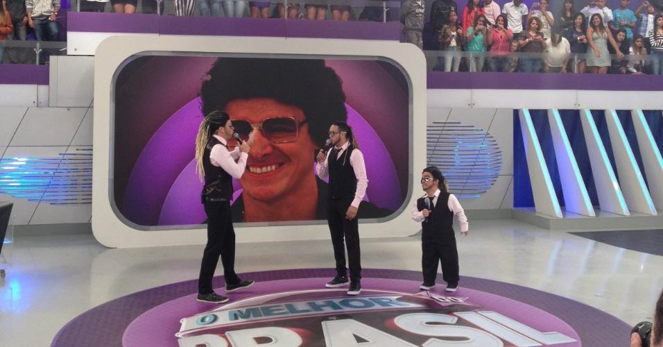 23.jul.2012 -Rodrigo Faro se transforma no cantor Belo para o