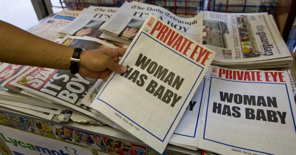 "23.jul.2013 - Capa da revista satírica ""Private Eye"" traz a mensagem ""Mulher tem bebê"""