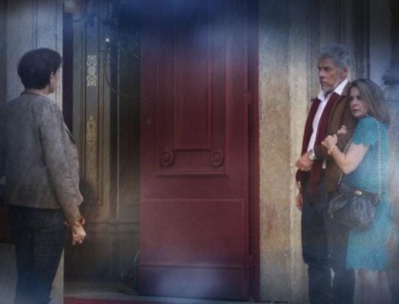 """Em """"Saramandaia"""", Helena fica furiosa ao ver Vitória em igreja"""