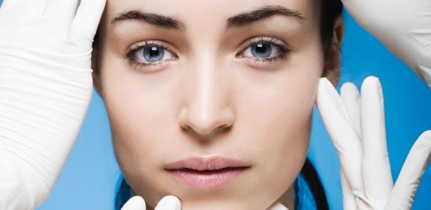 """Longe de ser uma """"puxadinha despretenciosa"""", o lifting facial exige cuidados como qualquer outra cirurgia - Thinkstock"""