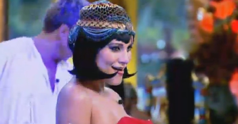 24.jul.2013 - Andressa Urach se caracteriza de Cleópatra na festa do Egito organizada pela Fazenda aos seus peões