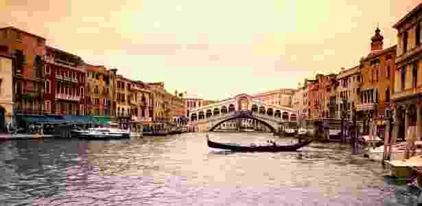 Ponte Rialto é a mais notável de Veneza - Getty Images