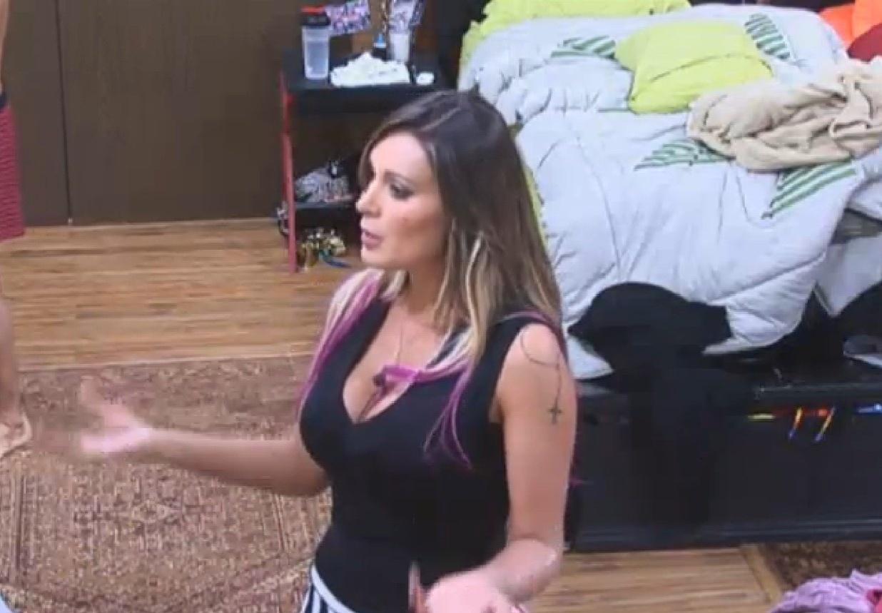 28.jul.2013 - Andressa Urach diz que pretende processar Denise Rocha por insinuar que ela era garota de programa