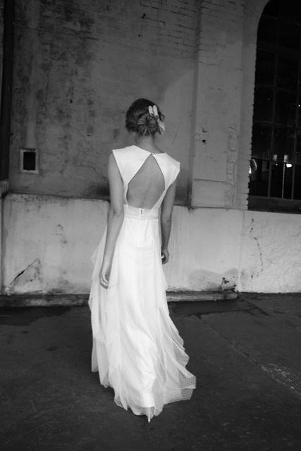 Vestido de tule point d'espirit, da Emanuelle Junqueira; por R$ 3.710