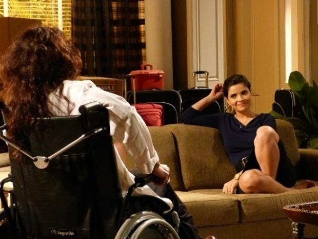 """Em """"Amor à Vida"""", Aline diz que irá tomar hospital de César"""