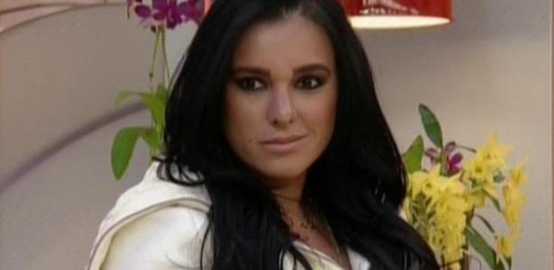 30.jul.2013 - Amante de marido de Scheila Carvalho diz não acreditar nas lágrimas do cantor