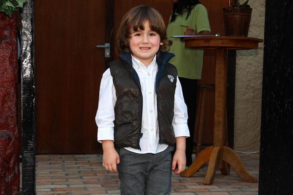 30.jul.2013 - Pietro, filho de Otávio Mesquita, prestigiou o aniversário de cinco anos de Gabriel, filho de Astrid Fontenelle. O evento aconteceu em São Paulo e teve como tema o filme