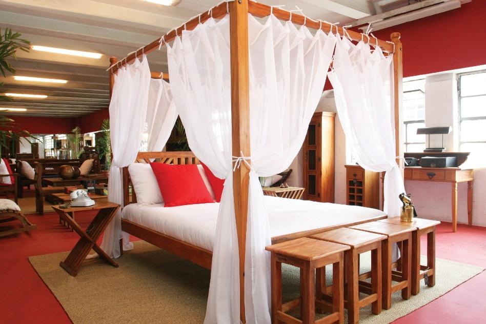 Para dormir como reis veja quartos e uma sele o de camas com dossel bol fotos bol fotos - Cortinas para cama ...