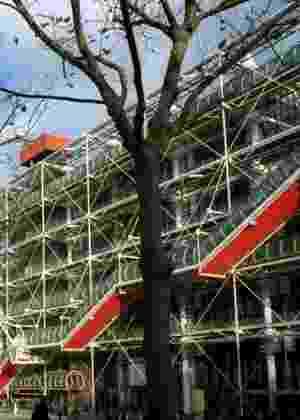 O Centre Georges Pompidou é um centro nacional de cultura voltado para a arte moderna e contemporânea, em Paris  - © Paris Tourist Office - Photographe : Amélie Dupont - Architecte : Renzo Piano et Richard Rogers