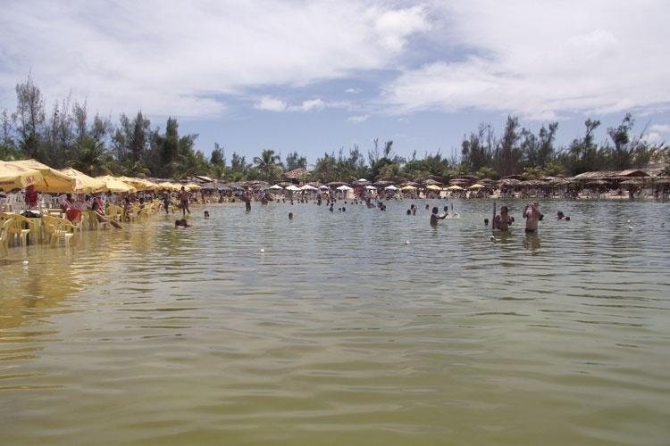 A lagoa de Pitangui, cenário tranquilo para famílias com crianças ao norte de Natal