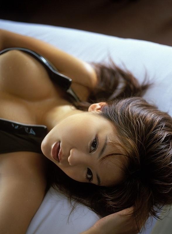 A modelo Yoko Matsugane é uma das mais quentes do Japão; confira uma seleção das suas melhores fotos.