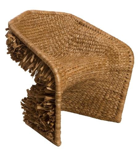 Assinada pela Latoog Design, a poltrona Vidigal é feita de fibra de taboa e ferro, com o tamanho de 80 cm por 70 cm por 82 cm. A peça é vendida na Vimoso (www.vimoso.com.br) por R$ 3.619 reais I Preços pesquisados em julho de 2013 e sujeitos a alterações