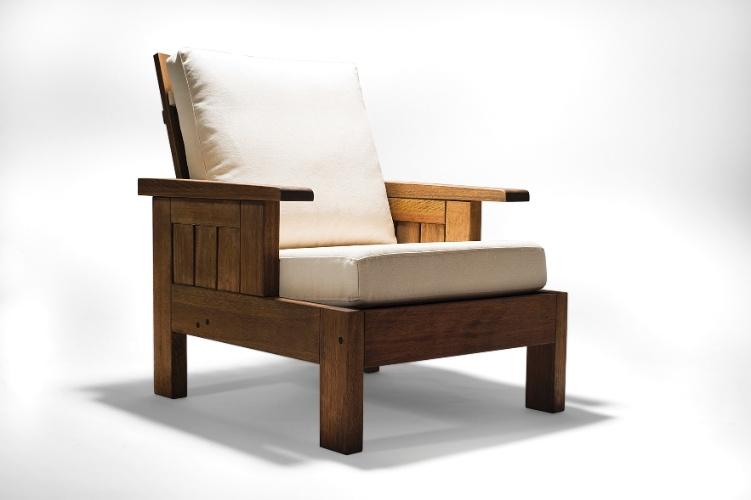 Assinada pelo designer Carlos Motta, a poltrona Timbó da Butzke (www.butzke.com.br) é fabricada em madeira certificada. O preço da peça, sugerido pela marca, é de R$ 2.530 I Preços pesquisados em julho de 2013 e sujeitos a alterações