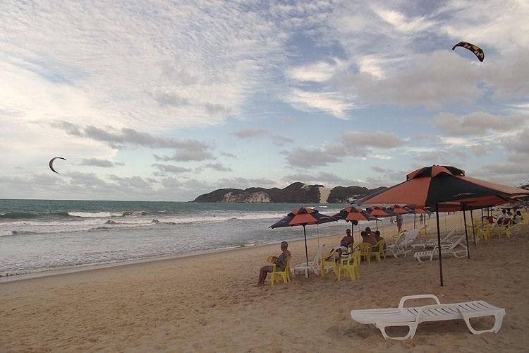 Entardecer em Ponta Negra, praia urbana de Natal, no Rio Grande do Norte