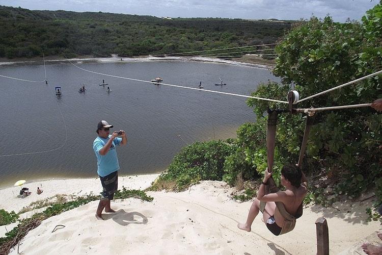 O aerobunda na Lagoa de Jacumã, aventura ao norte de Natal