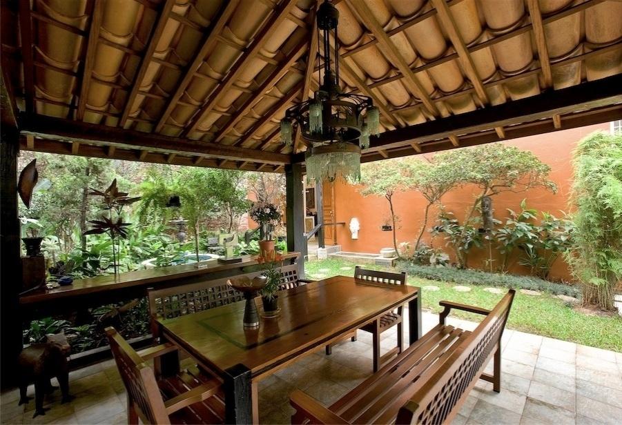 Caramanchão construído nos fundos da casa, chamado de Jardim do Leste por Nicola (imagem cedida ao UOL Casa e DEcoração, usar apenas no respectivo material)