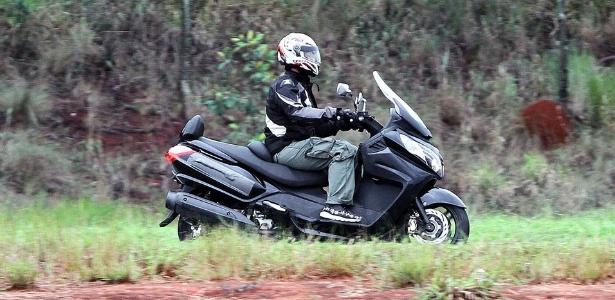 Scooter Maxsym 400i é visto em teste; modelo será vendido pela Dafra - Agência Infomoto