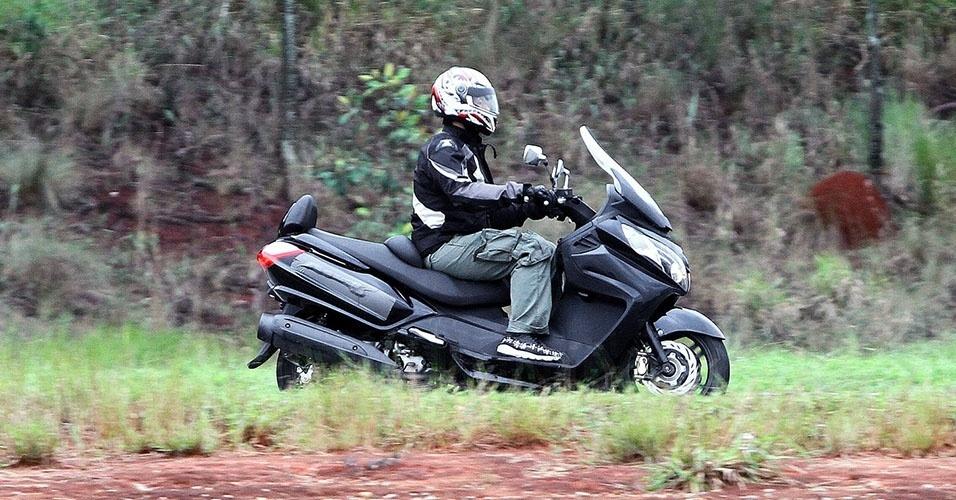 Scooter Maxsym 400i é visto em teste em São Paulo; modelo será vendido pela Dafra