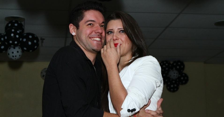 1.ago.2013 - A ex-BBB Andressa Ganacin recebeu uma festa surpresa organizada por seu fã-clube no Rio de Janeiro