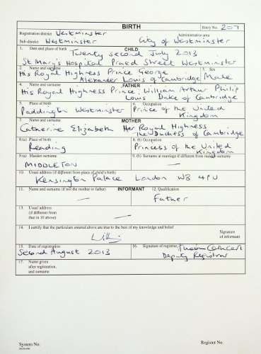 1.ago.2013 - Nascimento do Príncipe George é registrado e a família real divulga o certificado por meio de seu Twitter oficial