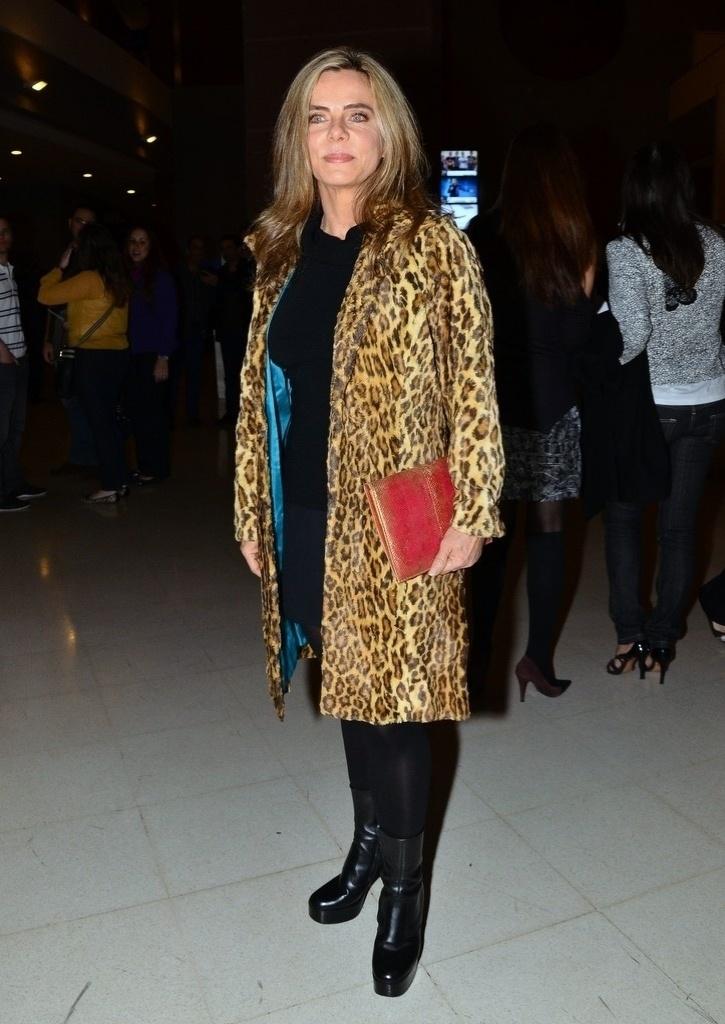 2.ago.2013- Bruna Lombardi marcou presença na estreia de musical em São Paulo