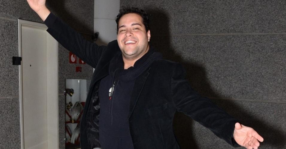 2.ago.2013- Tiago Abravanel foi à estreia de musical em São Paulo