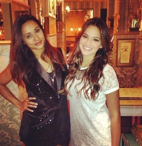 02.jul.2013 - Bruna Marquezine e Thaissa Carvalho