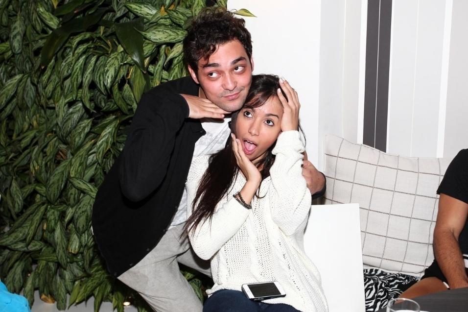 05.ago.2013- Anitta e Eduardo Sterblicht foram juntos ao aniversário de Vittorio