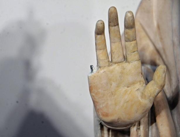 """Estátua danificada no Museo dell""""Opera del Duomo, em Florença, na Itália - Maurizio Degl"""" Innocenti/EFE"""