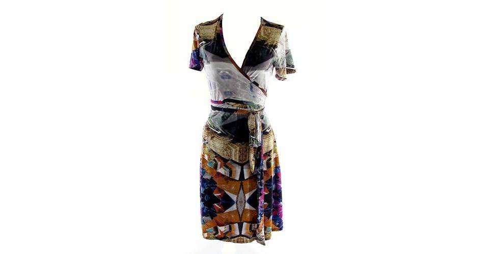 f3ca197b5 Vestidos transpassados são curingas para parecer mais magra; veja opções