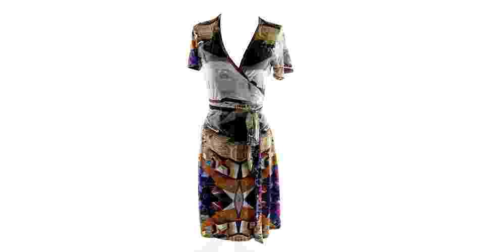 Vestido transpassado estampado com mangas curtas; R$ 298, na Alessa (www.alessa.com.br). Preço pesquisado em agosto de 2013 e sujeito a alterações - Divulgação