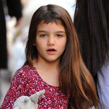 07.ago.2013- Suri Cruise é filha de Katie Holmes e Tom Cruise
