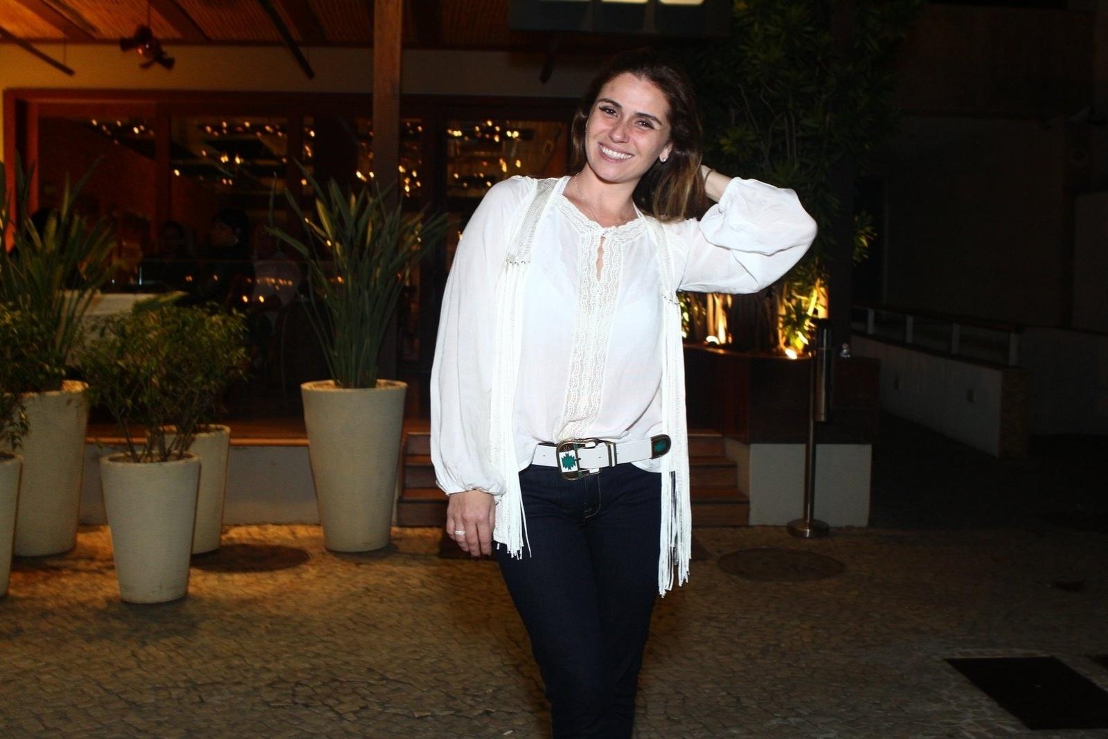 6.ago.2013 - Giovanna Antonelli na inauguração do restaurante Paris 6 na Barra da Tijuca, no Rio de Janeiro