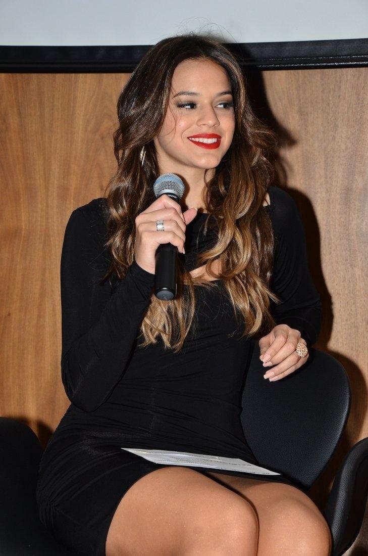 7.ago.2013 - Bruna Marquezine participa de evento de marca de higiene dentária que aconteceu na Vila Nova Conceição, em São Paulo. A atriz, que recentemente completou 18 anos, está atualmente na