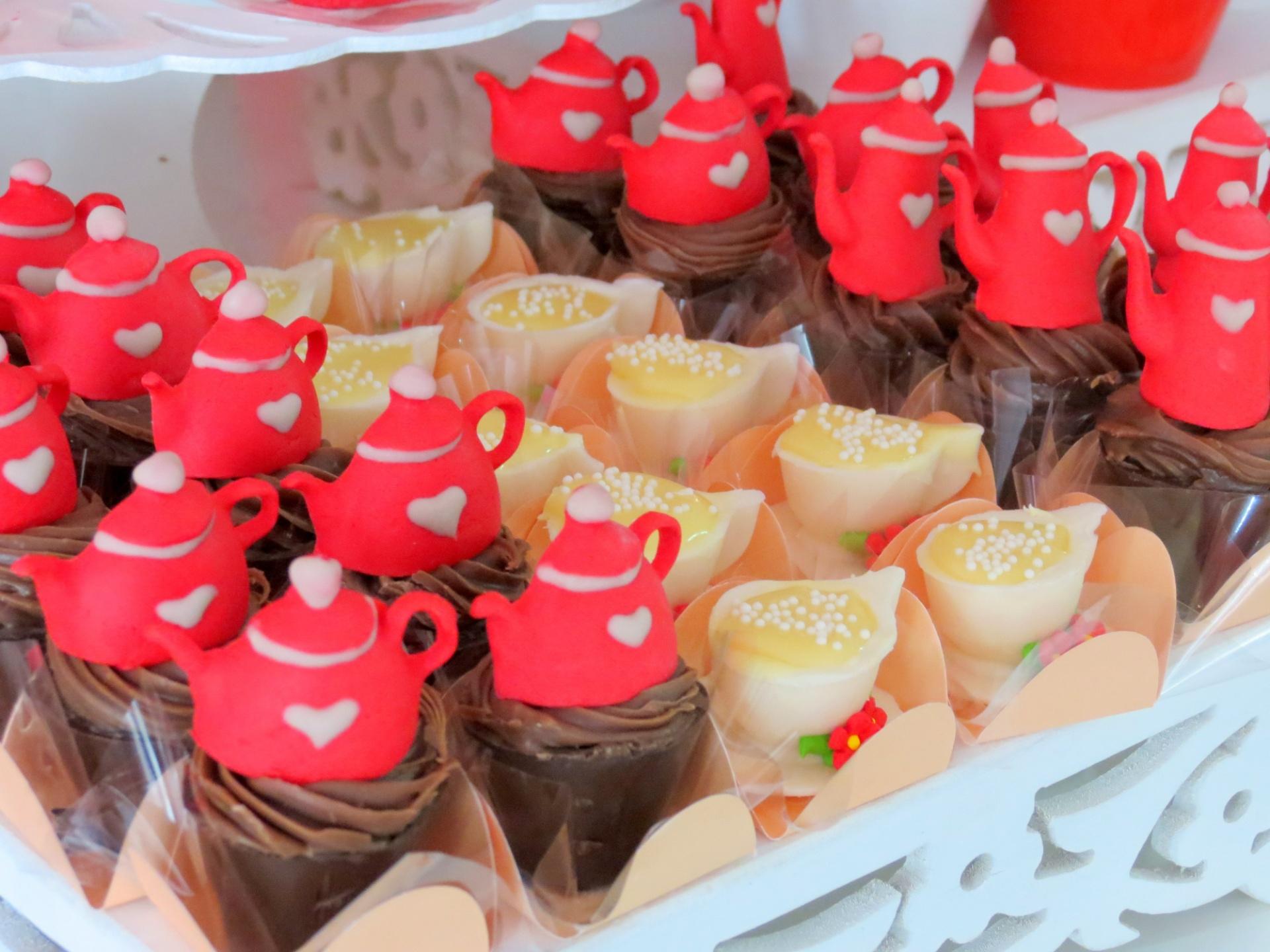 0f660da817e0a Fotos  Veja ideias para organizar um chá de bonecas para sua filha ...