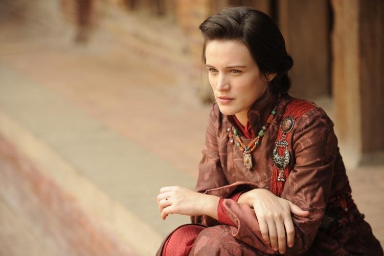 """8.ago.2013 - Bianca Bin interpreta Amélia em """"Jóia Rara"""", uma jovem pobre e destemida. """"Está sendo uma experiência espiritual incrível. Acho que estou aprendendo muito como ser humano. O Nepal tem uma energia inexplicável que mexe com a gente, é uma energia transformadora"""", falou a atriz sobre a experiência no país"""