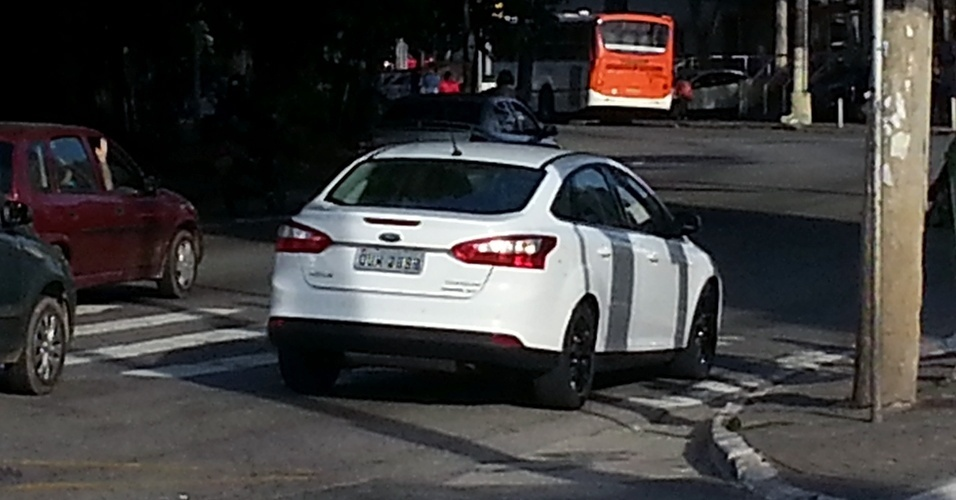 Nova geração do Ford Focus foi vista com placas cinzas pela equipe de reportagem de UOL Carros na zona Oeste da cidade de São Paulo, o que indica que o lançamento está próximo