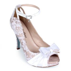 cede612a0 Para todos os gostos: veja 100 opções de sapatos brancos para noivas ...