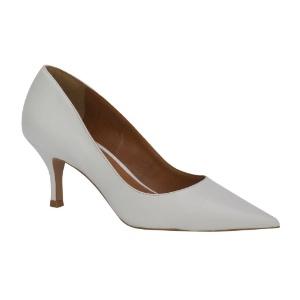 3738e2867 Fotos: Para todos os gostos: veja 100 opções de sapatos brancos para ...