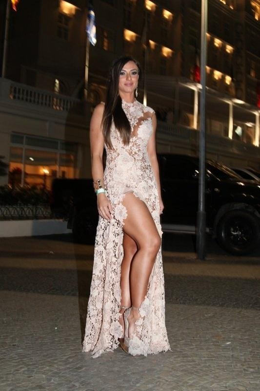8.ago.2013 - Nicole Bahls no aniversário de 39 anos de Preta Gil no Copacabana Palace, Rio de Janeiro
