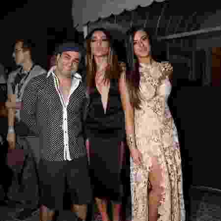 A amizade de Evandro Santo e Sabrina, em 2013. Na foto, com Nicole Bahls  - Claudio Andrade/Foto Rio News