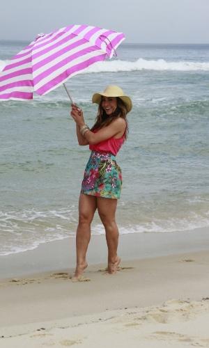 Sabrina Sato posa para campanha de moda na praia da Reserva, no Rio ... 1ca2bbc8b5
