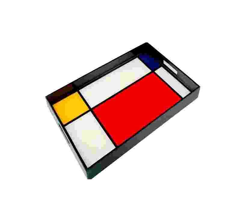 A bandeja retangular multicolor, da marca Pacific Collection, é produzida de madeira laca e mede 56 cm por 35 cm. Na Grifes & Design (www.grifesedesign.com.br), o produto sai por R$ 1.602 I Preços pesquisados em julho de 2013 e sujeitos a alterações - Divulgação