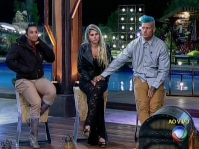 10.ago.2013 - Bárbara Evans, Mateus Verdelho e Scheila Carvalho são indicados à roça