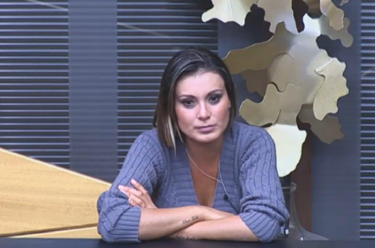 11.ago.2013 - Andressa Urach revela que foi abusada sexualmente na infância