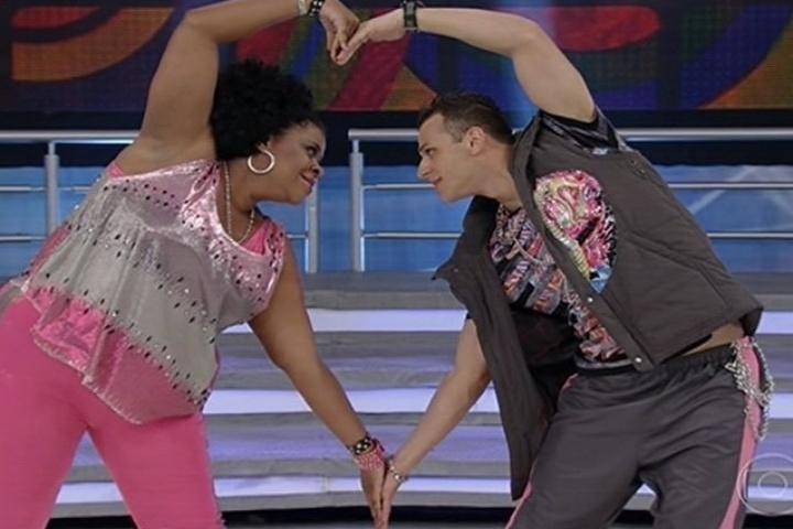 """11.ago.2013 - Cacau Protásio dança """"Só Love"""" de Claudinho e Bochecha e não empolga os jurados"""