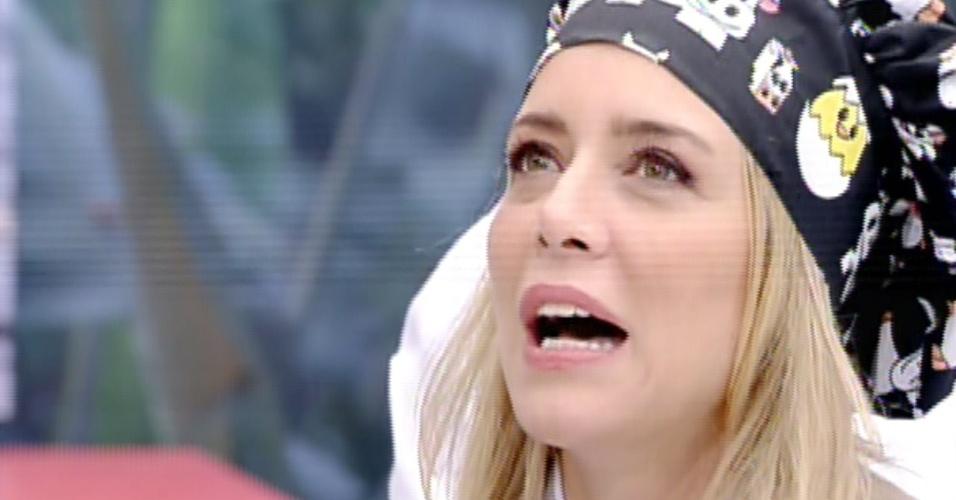 """12.ago.2013 - Competidora do """"Super Chef Celebridades"""", Christine Fernandes conta que começou a cozinhar por causa de namorado"""