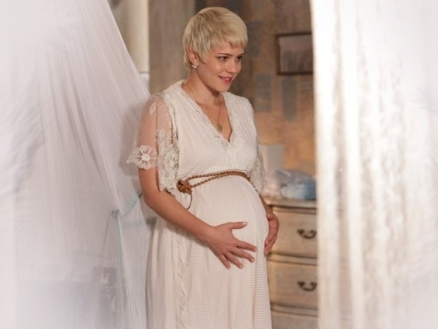 """Em """"Saramandaia"""", Zélia sonha com bebê"""
