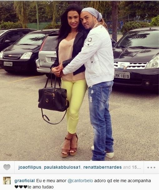 14.ago.2013- Gracyanne e Belo posam abraçadinhos: